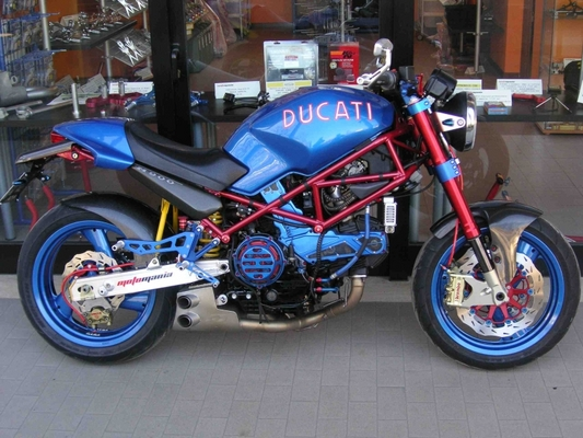 Product picture Ducati Monster 900 Service Manual
